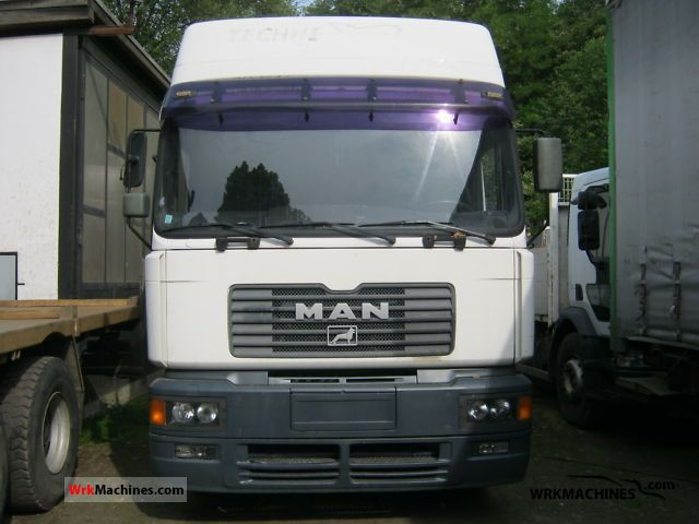 2001 MAN F 2000 19.364 Truck over 7.5t Box photo