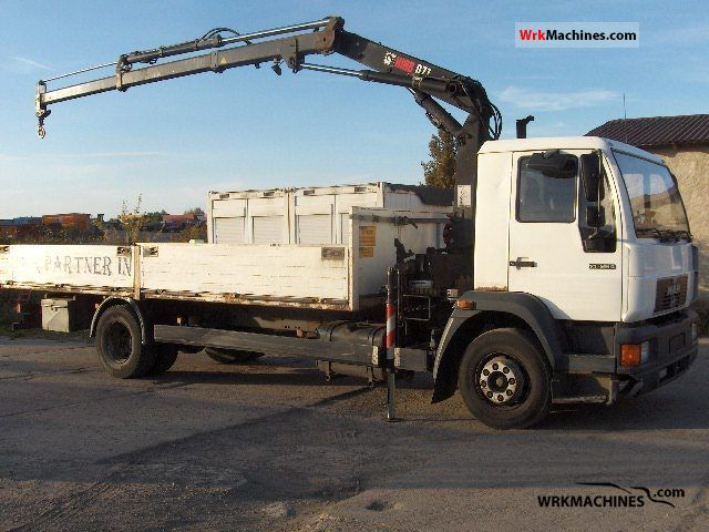 1999 MAN EL 262 Truck over 7.5t Stake body photo