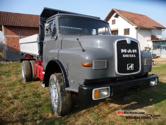 1982 MAN SG 240 Truck over 7.5t Tipper photo