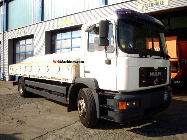 2003 MAN M 2000 L 18.285 Truck over 7.5t Stake body and tarpaulin photo