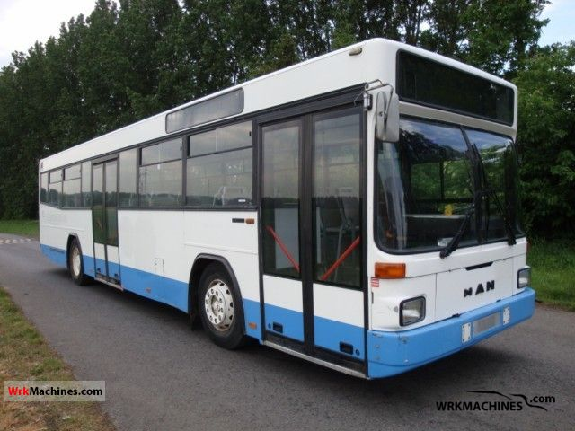 1997 MAN EL 202 Coach Public service vehicle photo
