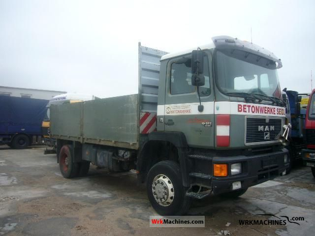 1991 MAN F 90 19.372 FA Truck over 7.5t Stake body photo