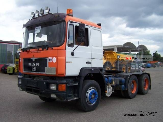 1993 MAN LION´S STAR 422 Semi-trailer truck Heavy load photo