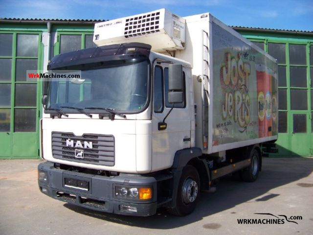 2000 MAN M 2000 M 14.285 Truck over 7.5t Refrigerator body photo