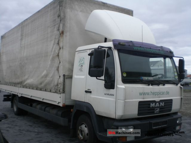 2005 MAN EM 222 Truck over 7.5t Stake body and tarpaulin photo
