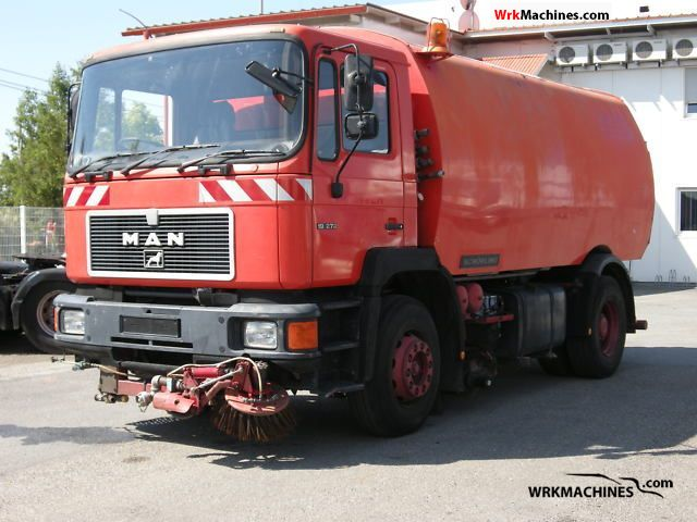 1994 MAN F 90 19.272 Truck over 7.5t Sweeping machine photo