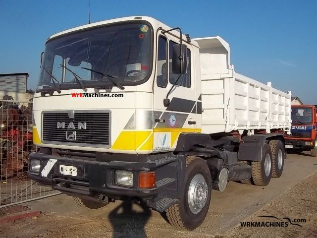 1992 MAN ÜL 322 Truck over 7.5t Three-sided Tipper photo