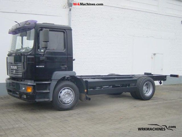 2002 MAN M 2000 L 280 Truck over 7.5t Chassis photo