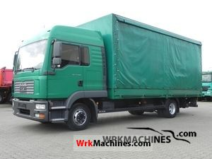 2005 MAN TGL 12.180 Truck over 7.5t Stake body and tarpaulin photo