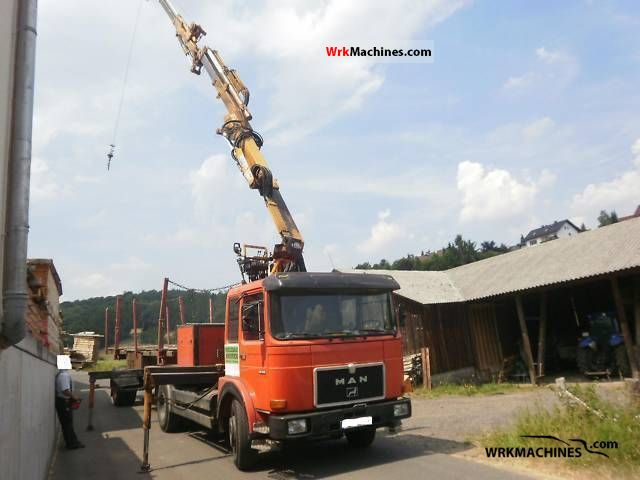 1988 MAN SG 240 Truck over 7.5t Truck-mounted crane photo