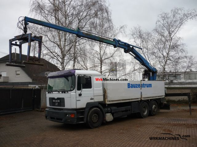 2000 MAN LION´S STAR 464 Truck over 7.5t Truck-mounted crane photo