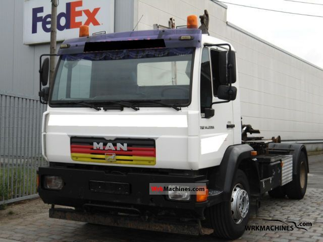 2004 MAN L 2000 12.225 Truck over 7.5t Roll-off tipper photo