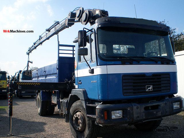 2001 MAN M 2000 L 18.285 Truck over 7.5t Truck-mounted crane photo