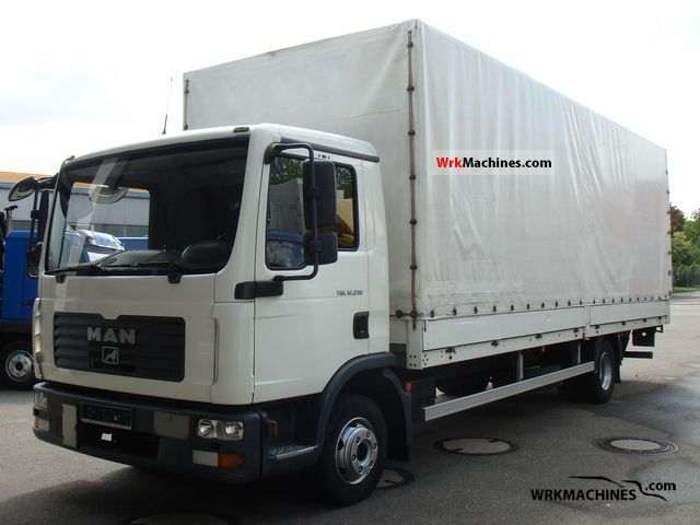 2007 MAN TGL 12.210 Truck over 7.5t Stake body and tarpaulin photo