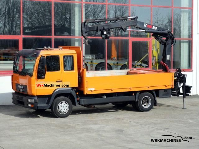 2004 MAN L 2000 8.220 Truck over 7.5t Stake body photo