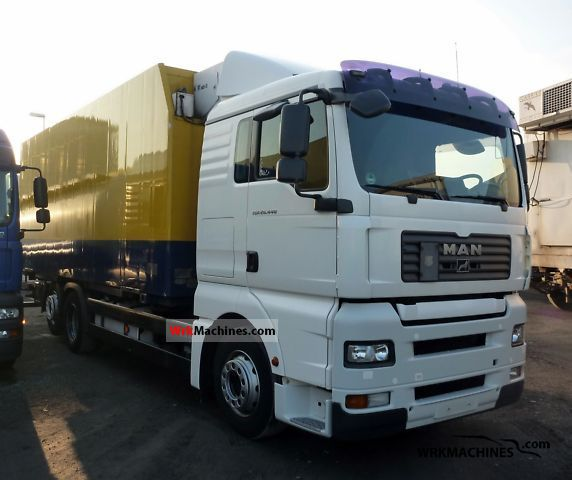 2006 MAN TGA 26.440 Truck over 7.5t Refrigerator body photo