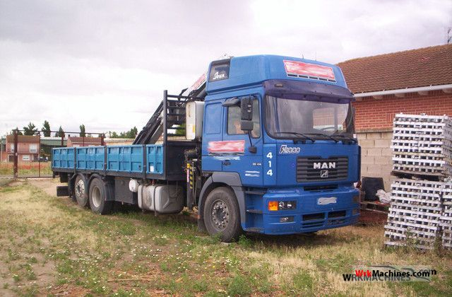 1999 MAN LION´S COACH 402 Truck over 7.5t Truck-mounted crane photo