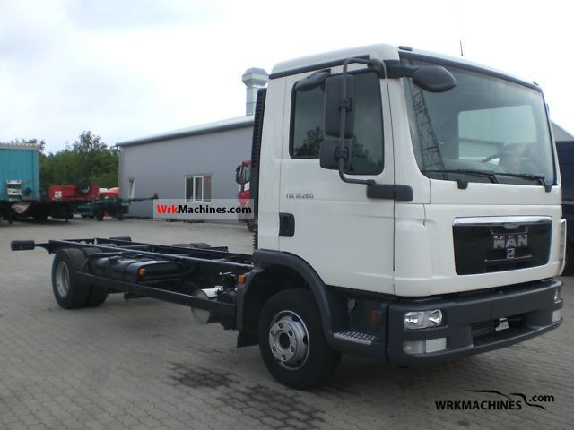 2010 MAN EM 222 Truck over 7.5t Chassis photo