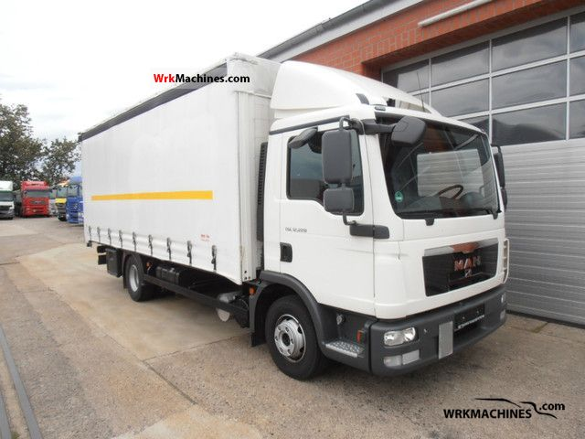 2010 MAN EM 222 Truck over 7.5t Stake body and tarpaulin photo