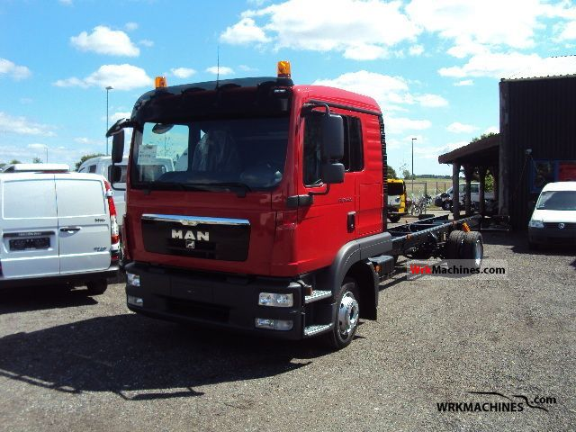 2011 MAN EM 222 Truck over 7.5t Chassis photo