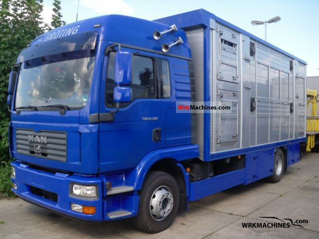 2006 MAN TGM 15.280 Truck over 7.5t Horses photo