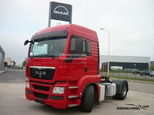 2009 MAN TGA 18.440 Semi-trailer truck Standard tractor/trailer unit photo