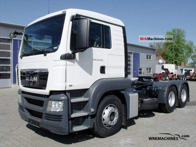 2011 MAN TGA 33.440 Semi-trailer truck Standard tractor/trailer unit photo