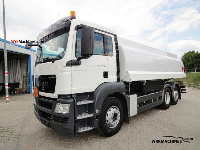 2010 MAN TGA 26.320 Truck over 7.5t Tank truck photo
