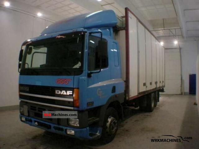 2001 DAF CF 85 85.340 Truck over 7.5t Refrigerator body photo