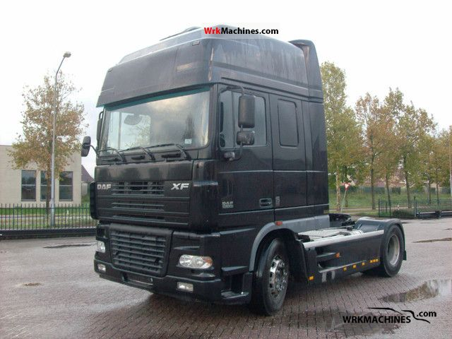 2004 DAF XF 95 95.530 Semi-trailer truck Standard tractor/trailer unit photo