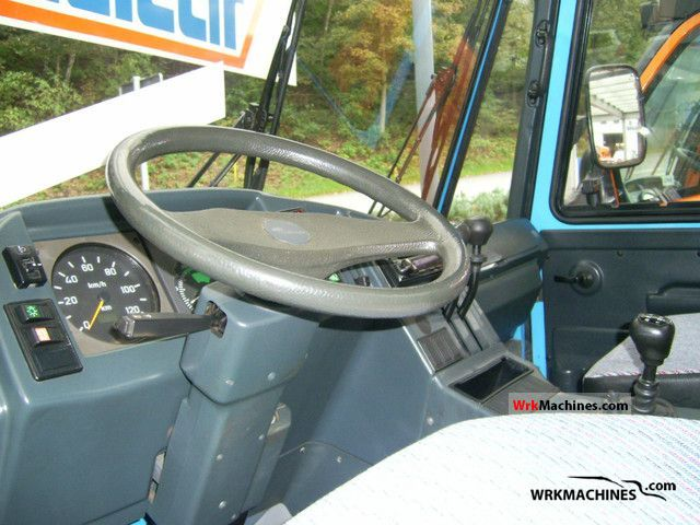 multicar m26 transline 2005 three sided tipper photos and info. Black Bedroom Furniture Sets. Home Design Ideas