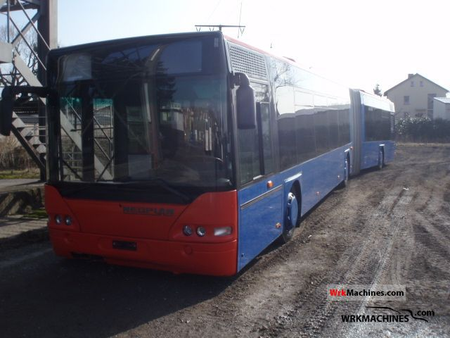 2001 NEOPLAN Centroliner N 4421 Coach Articulated bus photo