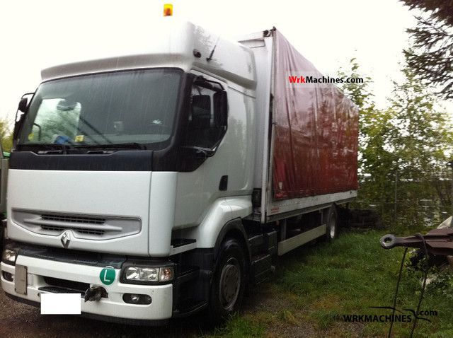 2004 RENAULT Kerax 320.18 Truck over 7.5t Stake body and tarpaulin photo