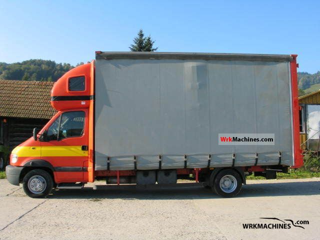 2001 RENAULT Mascott Mascott Van or truck up to 7.5t Stake body and tarpaulin photo