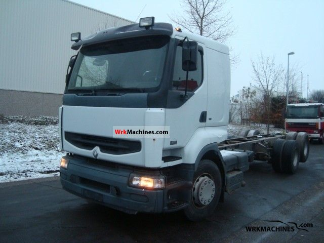 2003 RENAULT Kerax 420.26 Truck over 7.5t Chassis photo