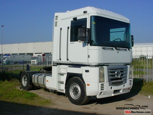 2004 RENAULT Magnum 480.18 Semi-trailer truck Standard tractor/trailer unit photo