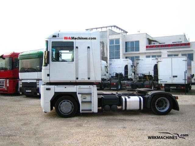 2005 RENAULT Magnum 440.18 Semi-trailer truck Standard tractor/trailer unit photo