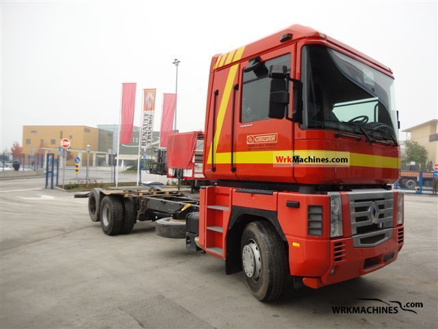 2004 RENAULT Magnum 480.26 Truck over 7.5t Chassis photo