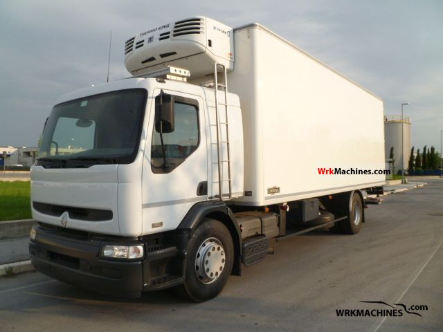 2004 RENAULT Kerax 320.18 Truck over 7.5t Refrigerator body photo
