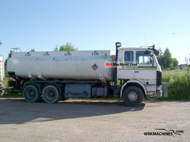 1987 SCANIA 2 - series 142 Truck over 7.5t Tank truck photo