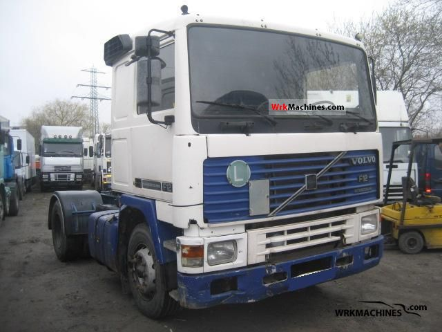 1993 VOLVO F 12 F 12/360 Semi-trailer truck Standard tractor/trailer unit photo