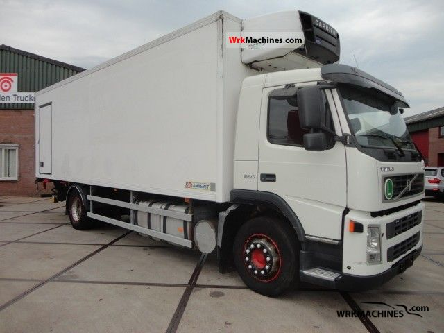 2003 VOLVO FM 9 FM 9/260 Truck over 7.5t Refrigerator body photo