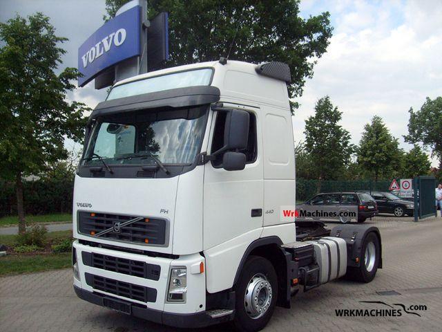 2006 VOLVO FH 440 Semi-trailer truck Standard tractor/trailer unit photo