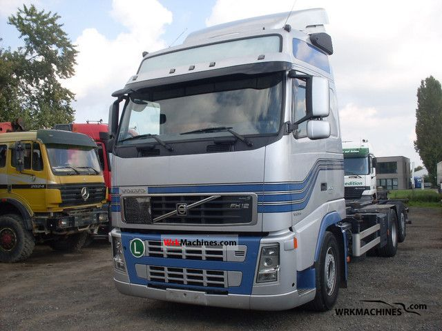 2006 VOLVO FH 400 Truck over 7.5t Swap chassis photo