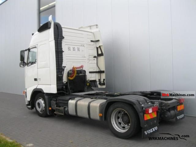 2006 VOLVO FH 440 Semi-trailer truck Volume trailer photo