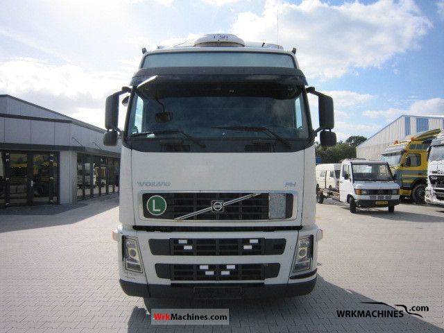 2007 VOLVO FH 400 Truck over 7.5t Swap chassis photo