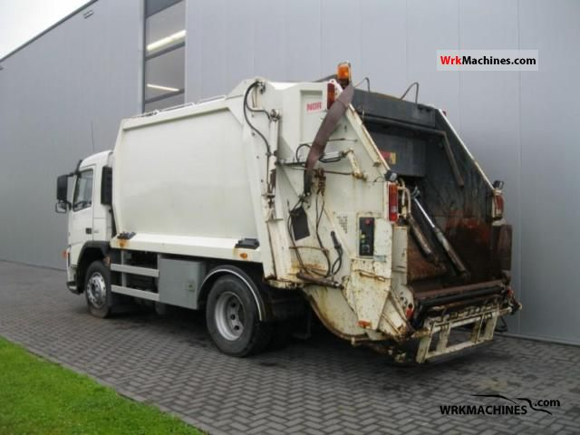 2005 VOLVO FM 9 FM 9/300 Truck over 7.5t Refuse truck photo