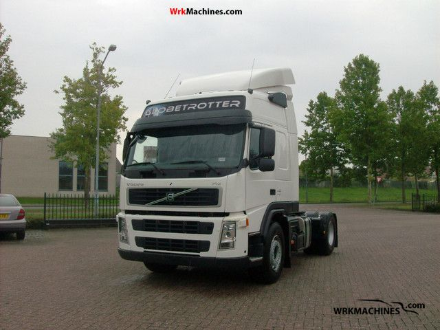 2008 VOLVO FH 440 Semi-trailer truck Standard tractor/trailer unit photo