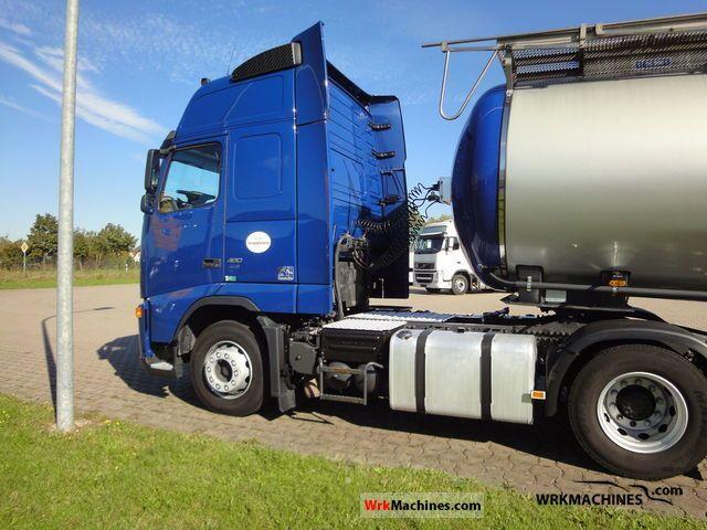 2007 VOLVO FH 480 Semi-trailer truck Hazardous load photo