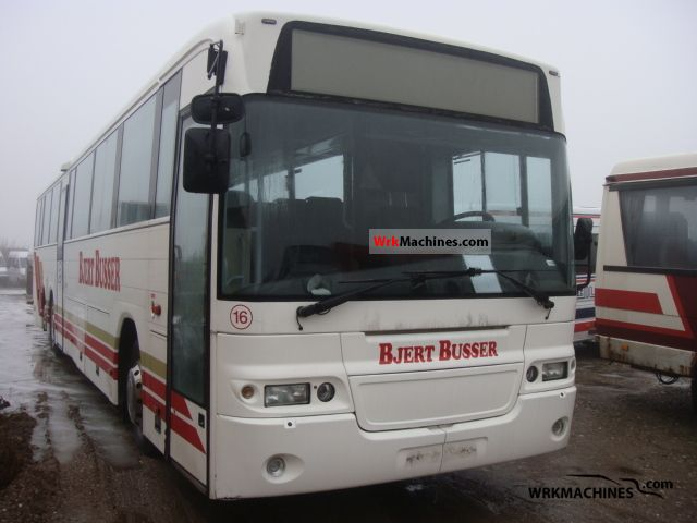 2002 VOLVO B 12 B 12 Coach Cross country bus photo
